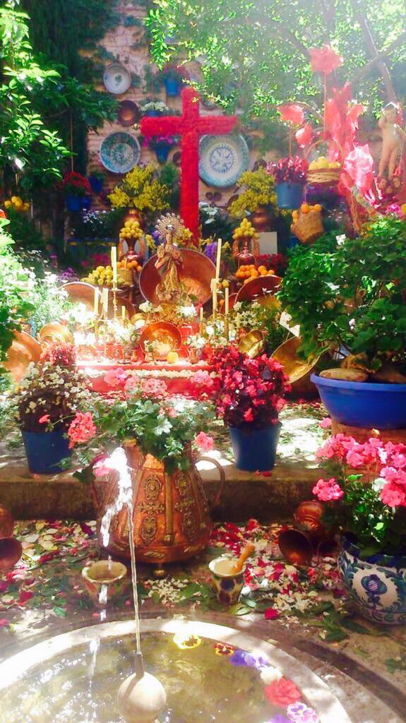 Altares del Día de la Cruz en Granada